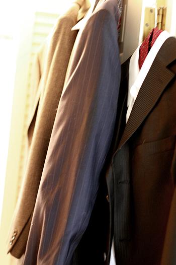 Closet_suits